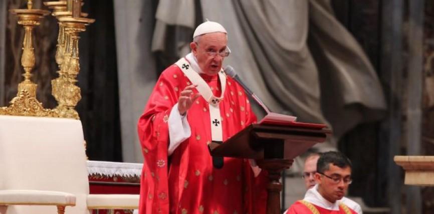Papa Francisco en Pentecostés: Necesitamos hombres y mujeres llenos del Espíritu Santo